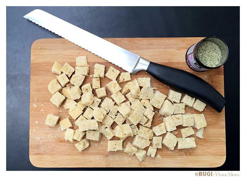 skærebræt med croutoner