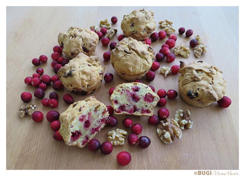 tranebærmuffins med valnødder