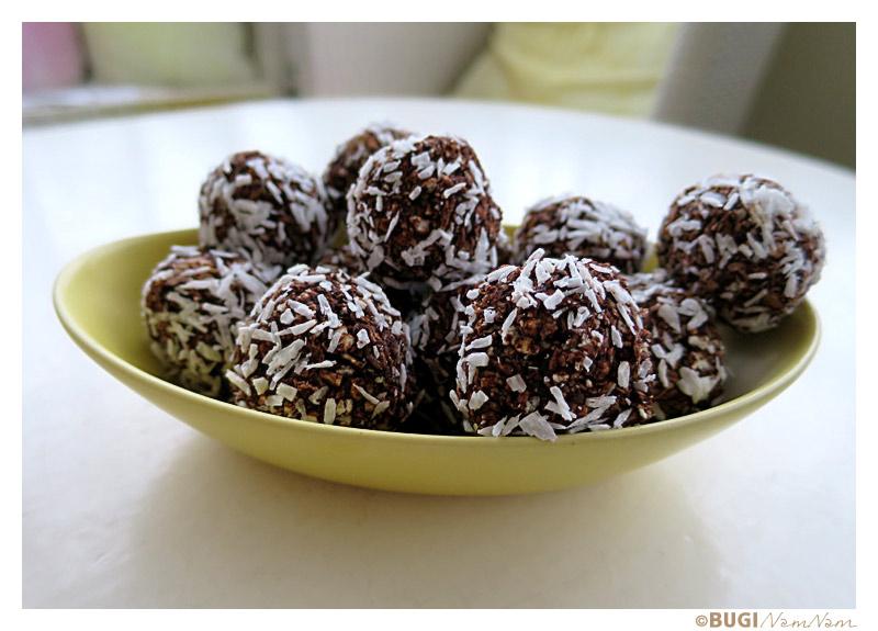 kokoskugler med æblemos