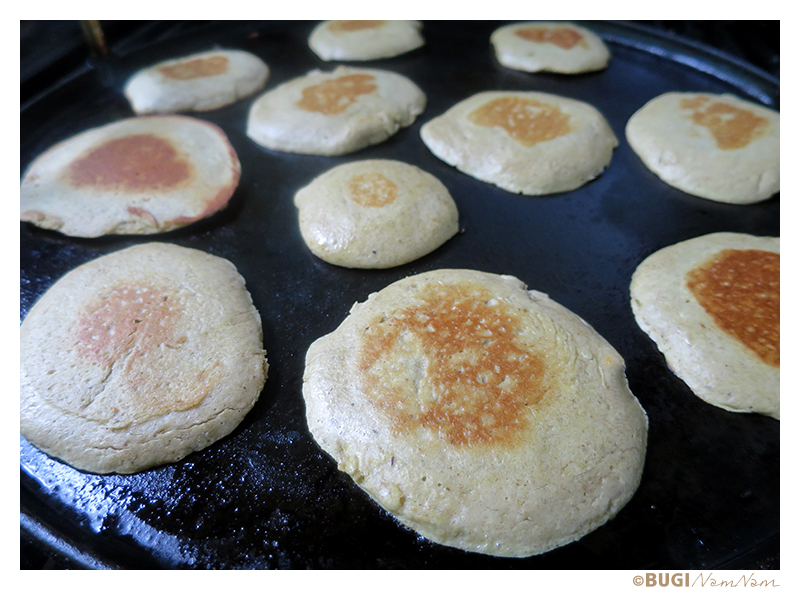 oat banan pancakes on Charbroil grill